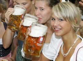 Visit of the traditional brewery pub without beermaids doesn''t count