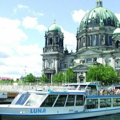 Take a relaxing cruise around Berlin with splendid view