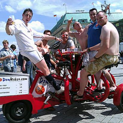 Have fun with mates during your Berlin tour